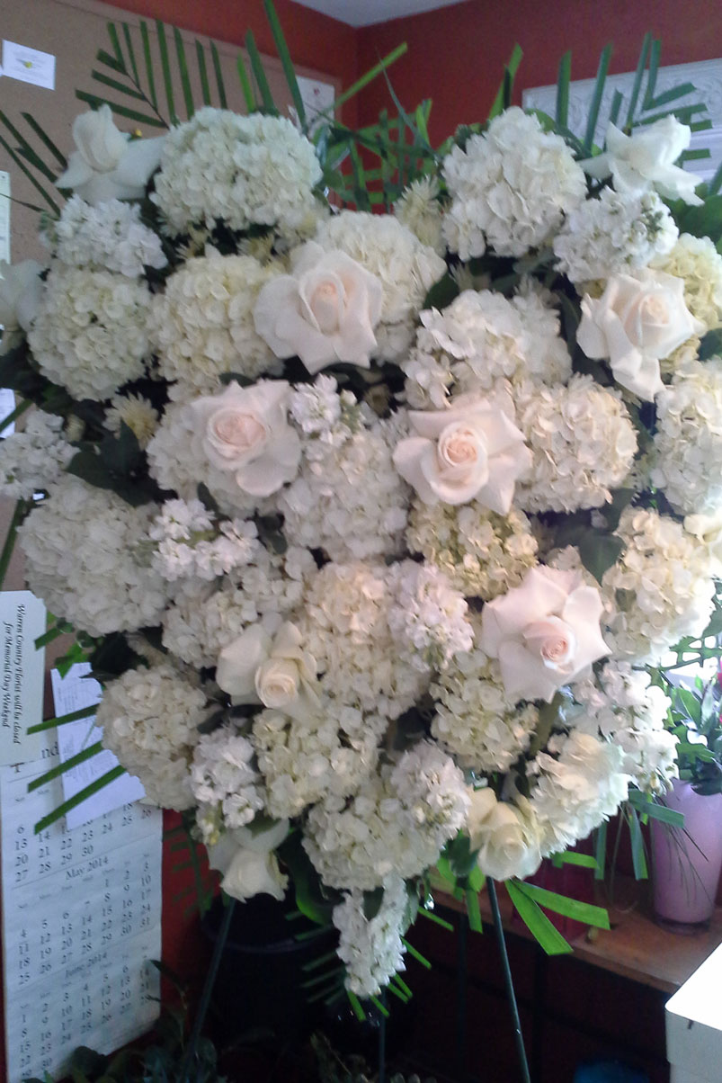 white-roses-hydrangea-rememberance-heart-memorial