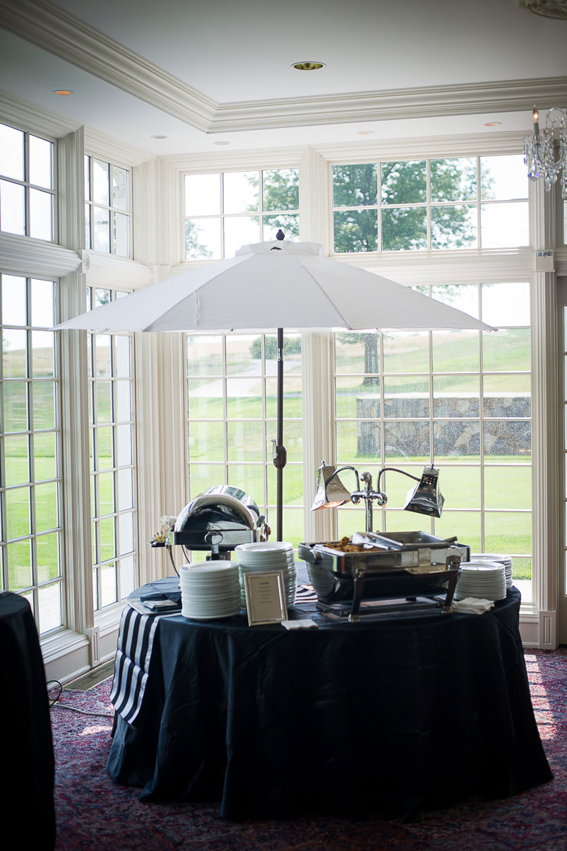 catering-party-station-white-umbrella