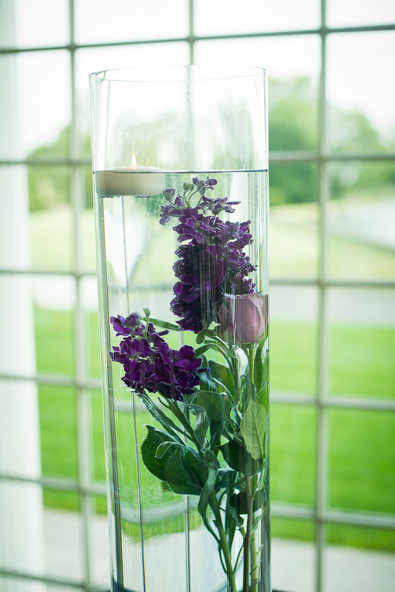 fresh-flowers-water-vase-floating-candle