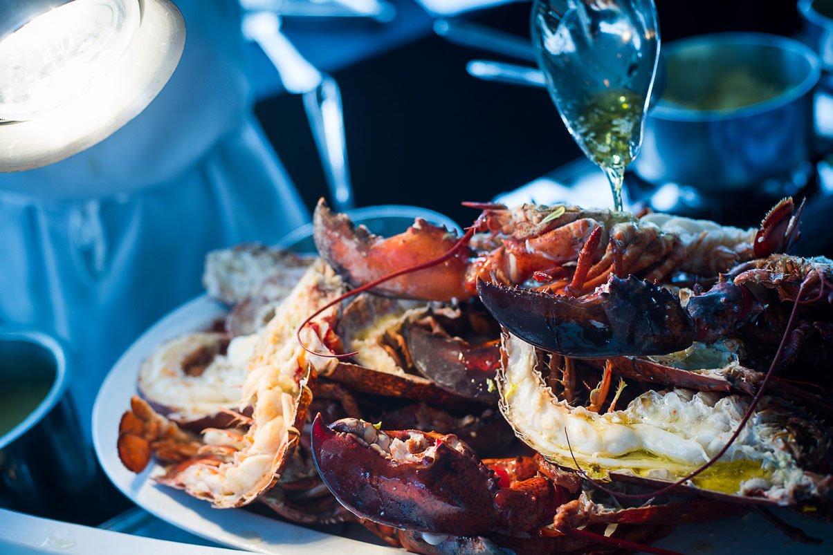 gourmet-cuisine-lobster-butter-party-fare