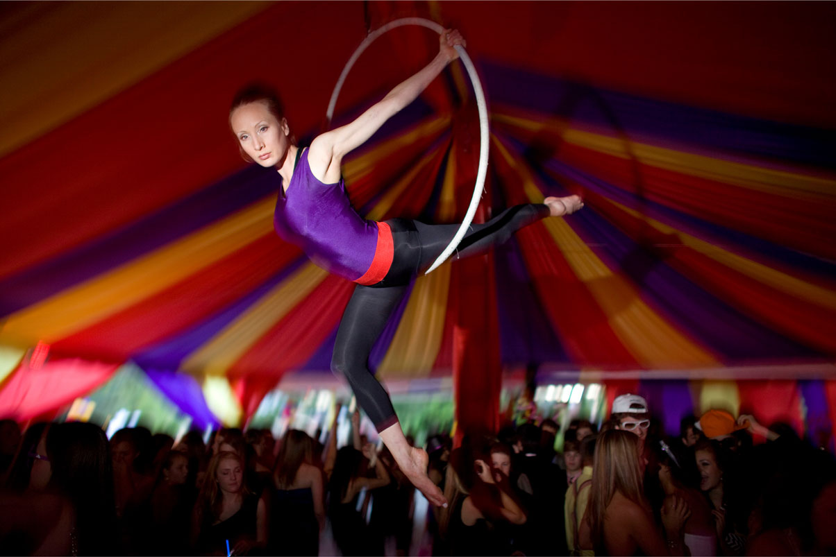 girl-spinning-ring-carnival-party-live-performance-actor