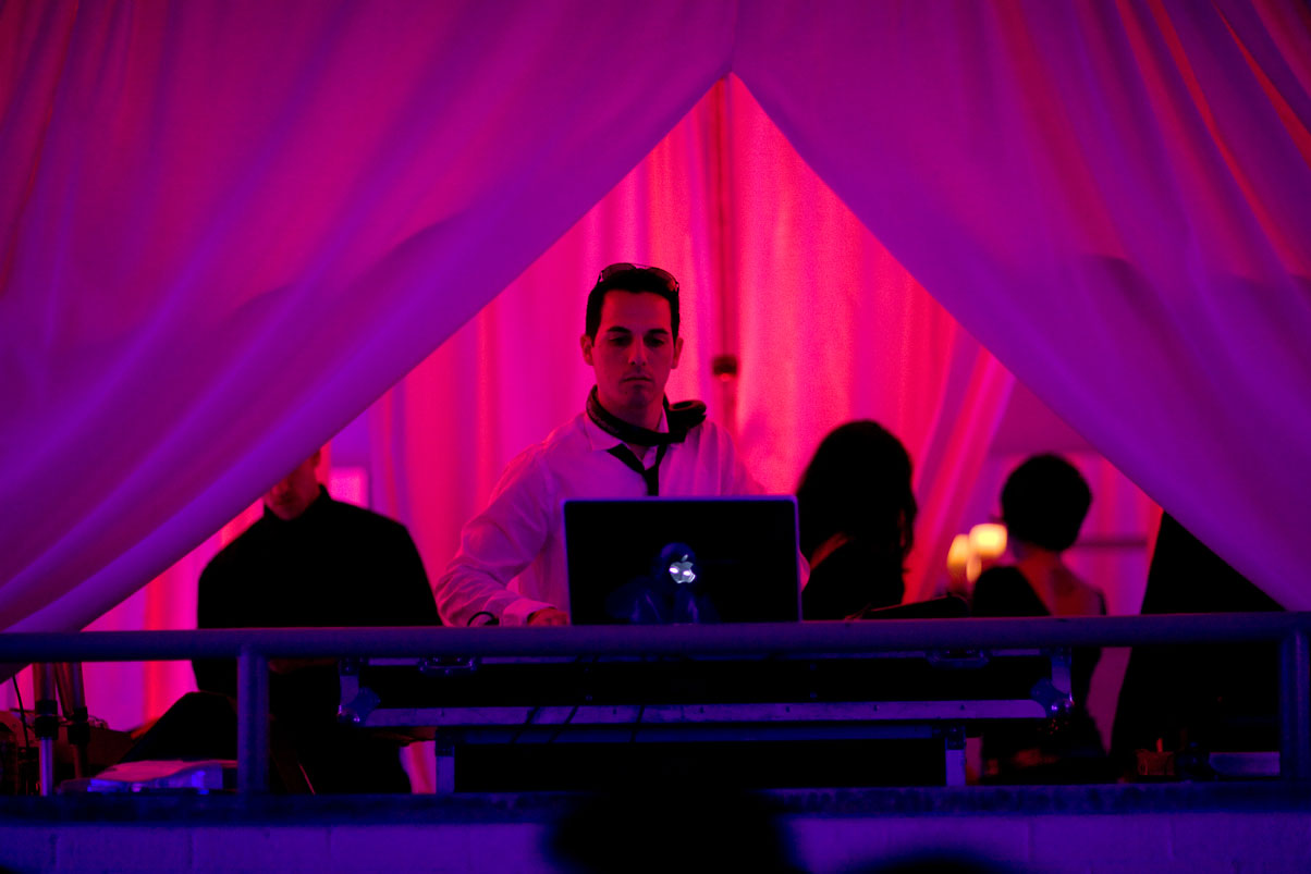 music-DJ-live-entertainment-dramatic-lighting-party