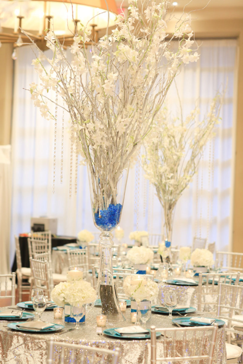 beautiful-white-flower-branch-party-table-centerpiece