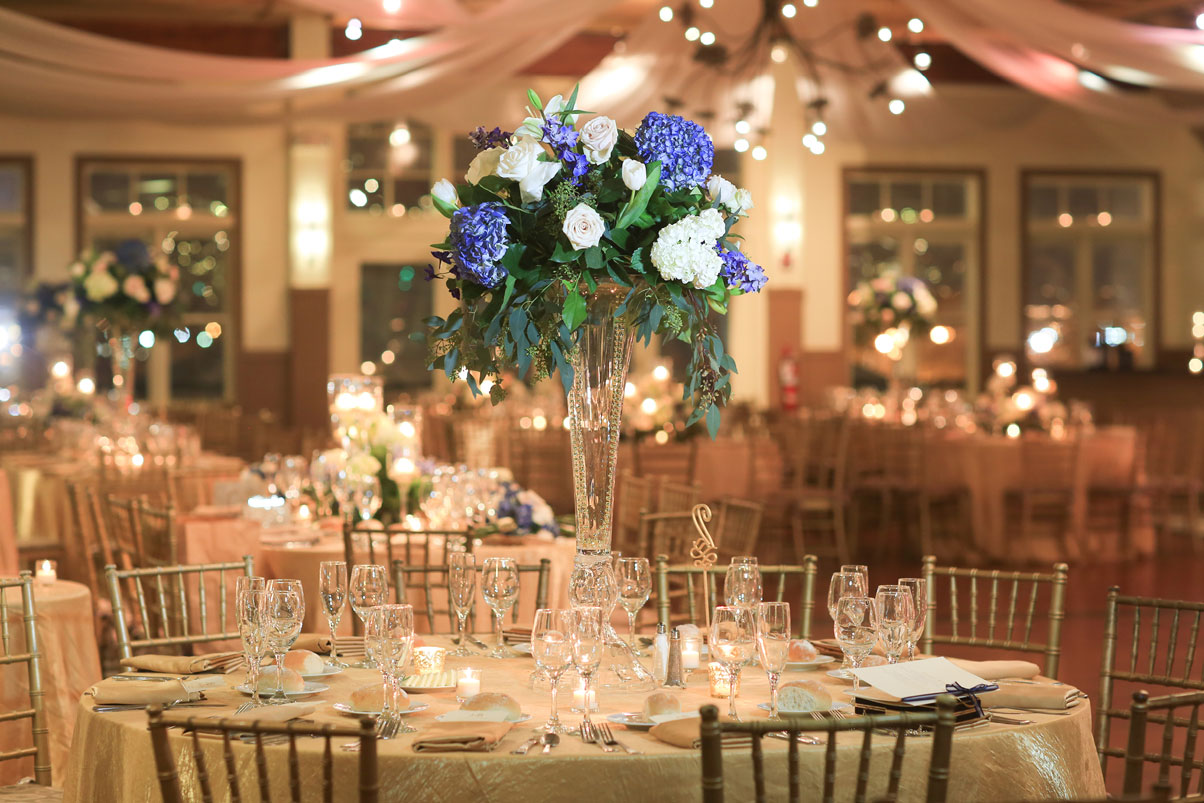 blue-hydrangea-white-roses-reception-table-centerpiece