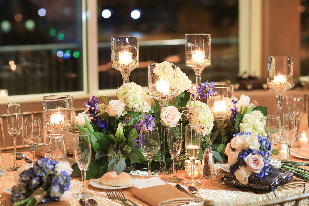 glass-candle-holder-hydrangea-floral-table-centerpiece-reception