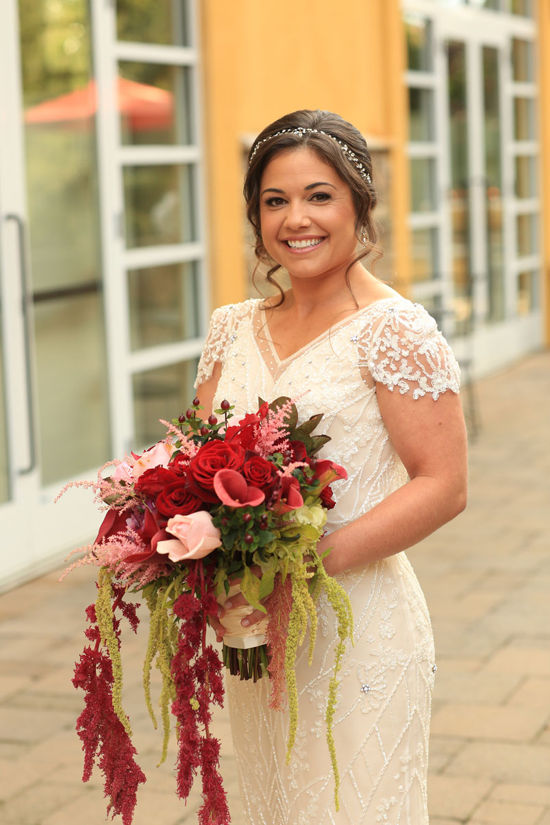 bride-bouquet-outdoors
