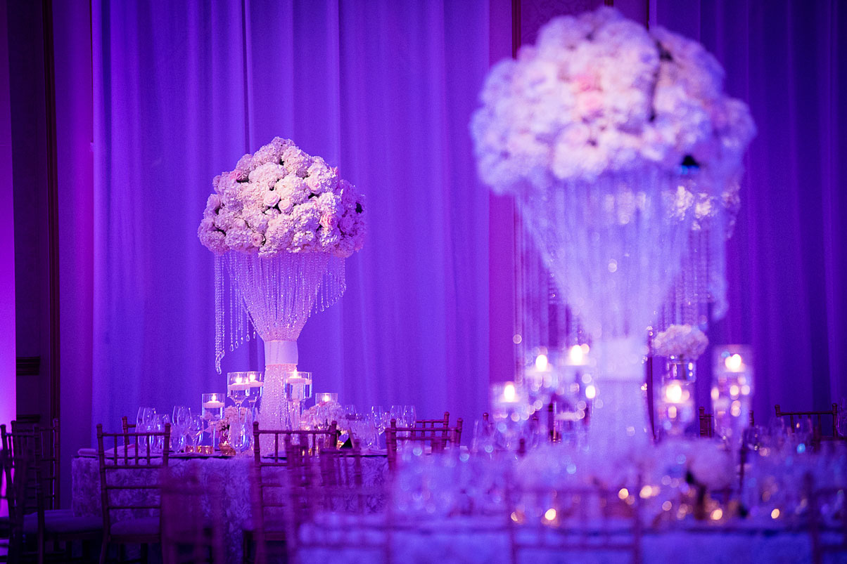 centerpieces-flowers-hanging-gems
