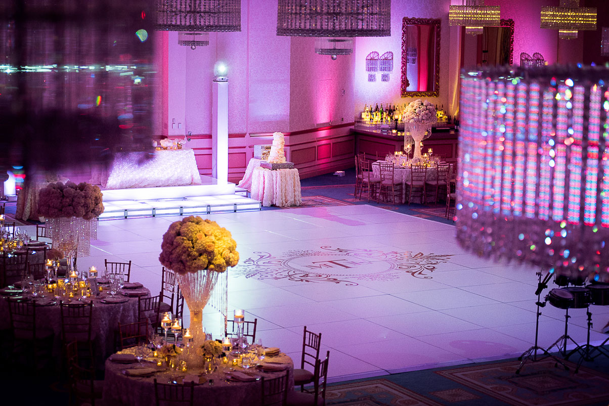 dance-floor-guest-tables-sweetheart-table