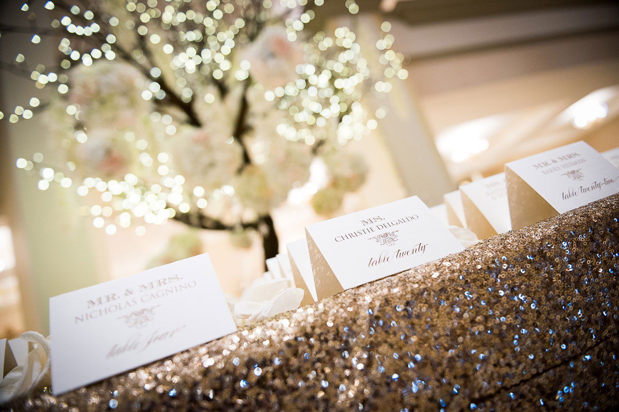 name-cards-tree-arrangement